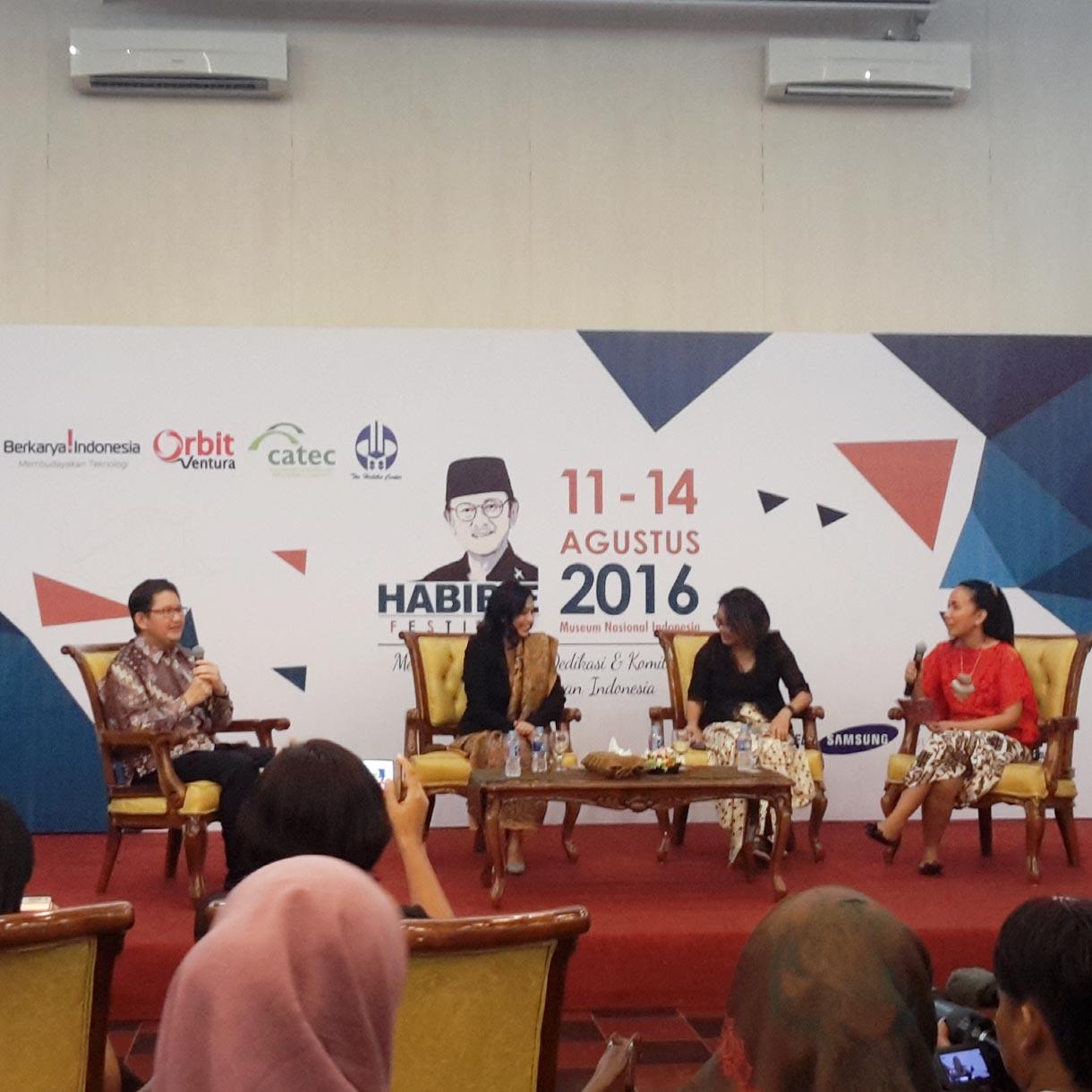 Batik Rudy Habibie by Batik Keris